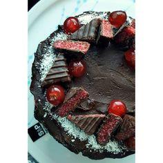 """Turning my favourite chocolate into a cake  #chocolatecake #cherryripefilling #ganache #coconutbuttercream #hayleescakes #cherryripe"""