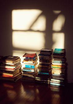 readings - books books books - © Graham Walzer