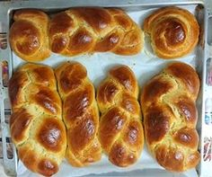 Buns with Sugar Milk ! Pan Dulce, Chocolate Lovers, Greek Recipes, Sugar And Spice, Cake Cookies, Hot Dog Buns, Food And Drink, Cooking Recipes, Sweets