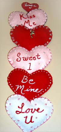 Puffy Heart Valentines by The Artful Crafter at www.theartfulcrafter.com.