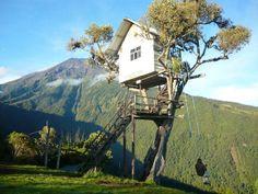 Schommelen op 2600 meter hoogte met een klein huisje