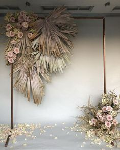 dried flowers make this neutral colored floral decoration, which is perfect for a wedding Backdrop 2018 Decoration Hugweddingplanner Flowers Wedding in Thailand A marvelous and abundant Thursday to you all! Nothing more satisfying A mix of dried and