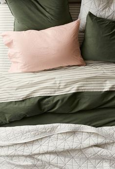 30 √The Pottery Barn Bedding Collection Is Made For Mixing And Matching 1 - Dillardshome Green Bedding, Bedroom Green, Dream Bedroom, Home Decor Bedroom, Pink Bedding, Home Design, Interior Design, Pottery Barn Bedrooms, My New Room