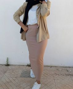 Spring skirts with hijab style – Just Trendy Girls Source by stitchbyzura outfits hijab Modern Hijab Fashion, Street Hijab Fashion, Hijab Fashion Inspiration, Muslim Fashion, Modest Fashion, Fashion Outfits, Geek Fashion, Stylish Hijab, Hijab Casual