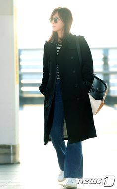 SNSD Yuri goes to Japan with the cast of 'Defendant'