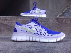 New In Box Women's Nike Free Run+ Running Shoes 395914-535 Customized with Swarovski Crystal Rhinestones Blue White Yellow