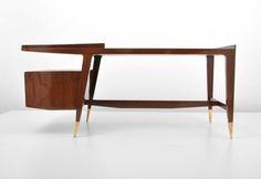 Gio Ponti Desk via Mcm Furniture, Table Furniture, Vintage Furniture, Furniture Design, Gio Ponti, Mid Century Modern Design, Mid Century Modern Furniture, Love Vintage, Small Apartment Design