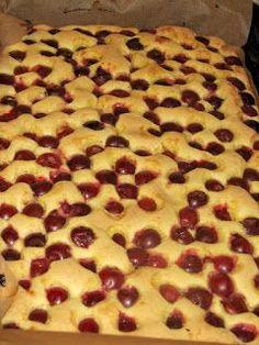 .: Prajitura cu visine Romanian Desserts, Romanian Food, Sweet Recipes, Cake Recipes, Dessert Recipes, Vegan Desserts, Delicious Desserts, Bulgarian Recipes, Good Food
