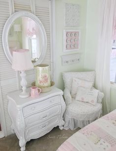 Interior Styling, Interior Design, Beach Room, White Cottage, Little White, Projects To Try, Shabby Chic, Kitchen Cabinets, Pastel