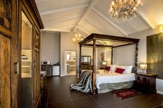 The Honeymoon Suite at Mariner Guesthouse offers more than just a touch of seaside opulence - Simon's Town, Cape Town. Cape Town Hotels, Superior Room, Honeymoon Suite, Breakfast In Bed, Romantic Getaways, Hotel Offers, Marines, Family Room, Luxury