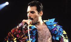 Freddie Mercury a 25 anni dalla morte del cantante dei Queen - Era il 24 novembre del 1991 quando Freddie Mercury si spense a causa di una broncopolmonite, aggravata dalle complicazioni dell'AIDS. Ecco alcune delle frasi più famose dell'artista. - Read full story here: http://www.fashiontimes.it/2016/11/freddie-mercury-25-anni-morte-cantante-queen/