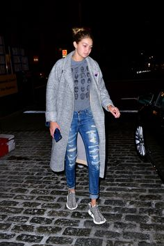 Demi, Selena & Kylie in Chic Camel Coats and More Stylish Looks Top Ou | Teen Vogue