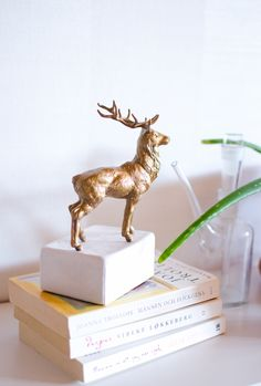 Majestic Book End