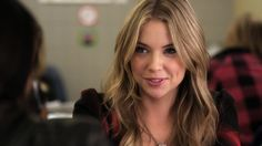 Bustle 15 Times Pretty Little Liars Hanna Marin Was Wearing Heels Way Pretty Little Liars Characters, Pretty Little Liars Hanna, Hanna Marin, Hanna Pll, Liar Game, Spencer Hastings, Different Hairstyles, Hair Health, Celebs