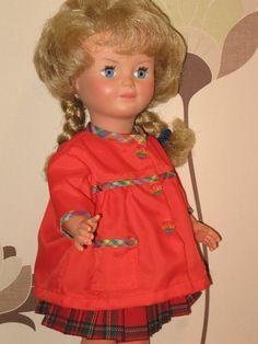 M&T Marie-Françoise en blouse d'écolière de septembre 1962