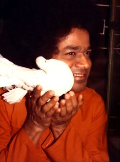 Sathya Sai Baba, protector of all. Sathya Sai Baba, Hindu Deities, Sai Ram, Spiritual, Pictures, Cosmic, Bliss, Om, Meditation