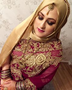 My last bride of 2015. Stunning #hijabibride Roshni on her #engagement. She was ecstatic that id been booked for her by her other half Sorry for my lack of posts this holiday. I wasn't given permission from most my brides apart from a few which i did Please bear with me ill respond back to all emails and messages over the next few days. #lipamakeup #asianbride #asianmakeupartist #london #realbride #vegas_nay #illamasqua #nofilter #noedit #bengalibride #bangladeshi_bridalglam #bangladeshibri Muslimah Wedding Dress, Disney Wedding Dresses, Muslim Brides, Pakistani Wedding Dresses, Pakistani Bridal Makeup Hairstyles, Bridal Hijab, Hijab Bride, Saree With Hijab, Pakistani Mehndi Dress