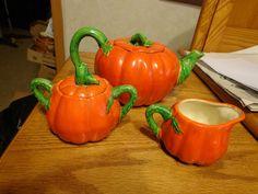 Tea Set Tomato Tea Pot Creamer Sugar Pot Made in Japan Green Leaves Stem