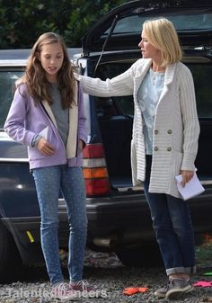Maddie Ziegler on set of The Book of Henry! Filming is in New York and the director is Colin Trevorrow, the same guy who directed Jurassic World. She's rumored to be playing the role of Christina. Read more on next post! Maddie And Mackenzie, Mackenzie Ziegler, Good Family Films, The Book Of Henry, Maddie Zeigler, Dance Mums, Dance Moms Girls, Age, Bobby Brown