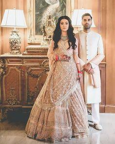 46 New ideas indian bridal necklace wedding dresses Indian Bridal Outfits, Indian Bridal Wear, Pakistani Bridal, Indian Dresses, Bridal Dresses, Bridesmaid Dresses, Indian Wedding Hair, Pakistani Engagement Dresses, Bridesmaid Ideas