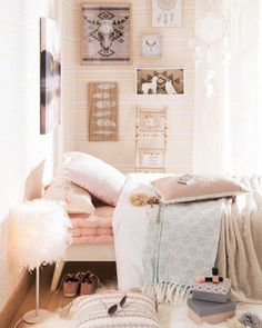 Maisons du Monde new collection: Coachella tendency praises sun-bleached colours, lots of crochet accessories and and a hippie vibe, in its most elegant version possible. See the post for more tendencies and details.