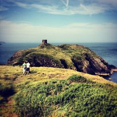 Our favourite hikes: Abereiddy to Porthgain, Pembrokeshire | Thriving with twins