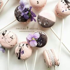 Macaroon pops