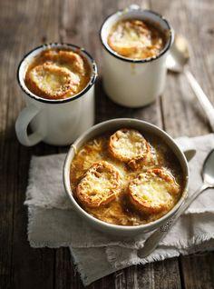Recette de Ricardo de soupe à l'oignon (la meilleure)
