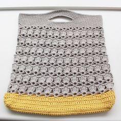 Crochet Tote + pattern: http://www.classiceliteyarns.com/WebLetter/139/Issue139.php