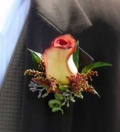 DIY Wedding Flowers : INSPIRATIONS Wedding flower Rose Boutonniere