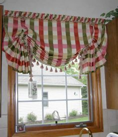 Pleated Balloon shade with butterfly ends Valance Window Treatments, Custom Window Treatments, Window Coverings, Interior Decorating Styles, Interior Design, Curtains And Draperies, Valances, Easy Curtains, Drapery