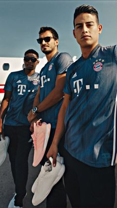 Alaba, Hummels & James James Rodriguez, Watch Football, Football Team, Real Madrid, Dream Boy, Trainer, Soccer Players, Messi, Athlete