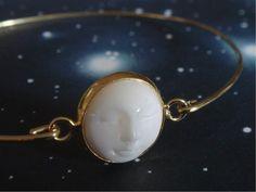 Bracelet jonc visage de lune - Bracelet lune endormie - Bracelet os sculpté - Bijoux bohème chic - Boho gypsy hippe