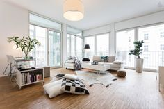 The floor to ceiling windows in this spacious loft in Prenzlauer Berg offer unobstructed views of the former Berlin Wall.