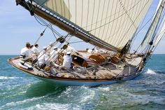 Mariquita sails in a Panerai regatta Used Sailboats, Small Sailboats, Classic Sailing, Classic Yachts, Panerai Regatta, Fishing Boat Accessories, Liveaboard Sailboat, Small Yachts, Sailboat Living