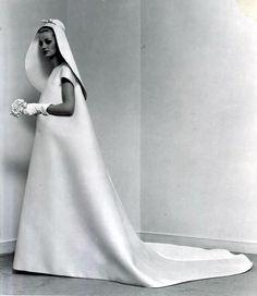 1967 wedding dress, Balenciaga