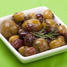 Тёплые маринованные оливки по-французски