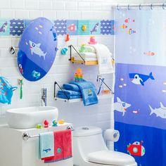 ¿Buscas cortina para le baño de tu hijo? En nuestras tiendas puedes encontrar la cortina ideal con entretenidos estampados. Además, podrás encontrar toallas, y accesorios para hacer la hora del baño más entretenida.