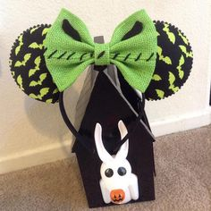 "Nightmare Before Christmas/Oogie Boogie Inspired Minnie Mouse Disney Ears - Source Instagram @earbowtique ""I am the shadow on the moon at night... Filling your dreams to the brim with fright. #Mouseears #Oogieboogie #Disney #Disneyland #Nbc #Diy #Custom #Customears #Disneyheadband #Mickeyears #Minniemouseears #Timburton #Mickeymouseears #Alternative #Nightmarebeforechristmas"