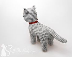 Cat Amigurumi Pattern seamless crocheted kitten by StuffTheBody*** Before you make a purchase, please acknowledge that: a. I do not sell real finished toys but only digital (PDF) instructions how to make it. Chat Crochet, Knit Or Crochet, Crochet Dolls, Crochet Cats, Crochet Cat Pattern, Crochet Patterns, Free Pattern, Diy Presents, Pattern Library