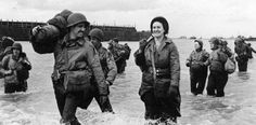 A group of nurses (American Nurses) landed at Omaha and Utah. They are accompanied by several GIs. The Nurses arriving after June 12 One wears an armband gas detection, another patch of the First Army. Left a Landing Craft Tank (Rocket) LCT (R) Omaha Beach, History Of Nursing, Flight Nurse, Normandy Invasion, Utah, Landing Craft, Vintage Nurse, Military Women, Military History