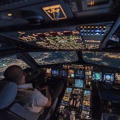 Pilot Uniform, Airplane Wallpaper, Aviation Technology, Plane Photos, Aircraft Interiors, Female Pilot, Airplane Photography, Passenger Aircraft, Conceptual Photography
