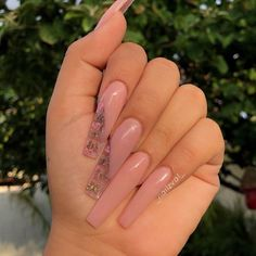 60 + long trendy fall nails style which is popular in ins 2019 - ibaz How to make a long nails design? Which style is popular? If you are looking for one style for yourself. Well, we've just found about 60 more long trendy fall nails design for you. Bling Acrylic Nails, Aycrlic Nails, Summer Acrylic Nails, Best Acrylic Nails, Swag Nails, Nail Nail, Baby Pink Nails Acrylic, Red Nail, Pastel Nails