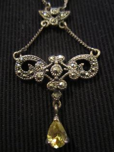 Vintage victorian necklace...love