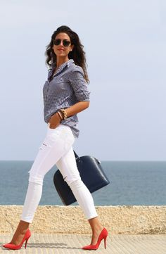 20 ways to wear white jeans for an unmistakably stylish look . - 20 ways to wear white jeans for an unmistakably stylish look Effektive Bilder, die wir über baby i - Business Casual Outfits, Classy Outfits, Chic Outfits, Spring Outfits, Fashion Outfits, Womens Fashion, Jeans Fashion, Petite Fashion, Girly Outfits