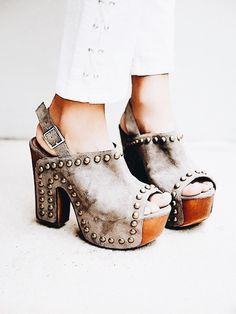 6722bc9a1fb8 369 Best shoes. images in 2019