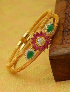 Indian Jewellery Online, India Jewelry, Gold Jewelry, Jewelry Necklaces, Jewelry Model, Gypsy Jewelry, Gold Mangalsutra Designs, Pakistani Jewelry, Gold Bangles