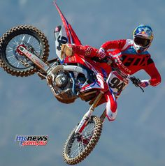 Ken Roczen will pilot the all-new 2017 CRF450R alongside new teammate Cole Seely in the AMA Supercross and AMA Motocross series.