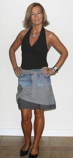 Wie mache ich aus einer ausgedienten Hose einen Designerrock?   In meinem Freebook findet ihr eine ausführlich Beschreibung.     Ich wünsc...