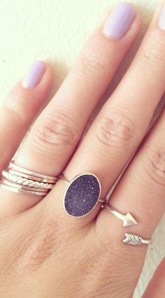 Love the stacked rings, arrow ring, and the oval ring. The oval ring looks like stars in the night sky :) Cute Jewelry, Jewelry Box, Jewelry Accessories, Fashion Accessories, Jewlery, Bling Bling, The Bling Ring, Color Lavanda, Piercings